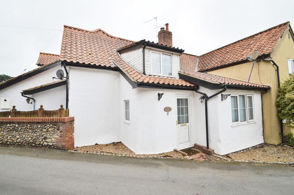 4 Bedrooms Semi Detached House for sale in Saxthorpe