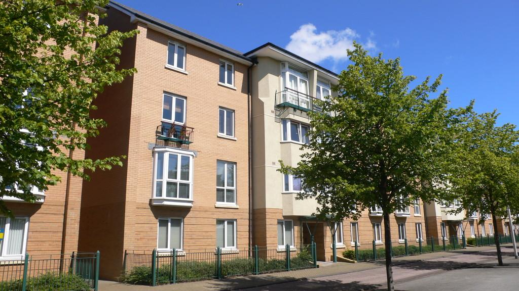 2 Bedrooms Apartment Flat for sale in Verona House, Vellacott Close, Cardiff