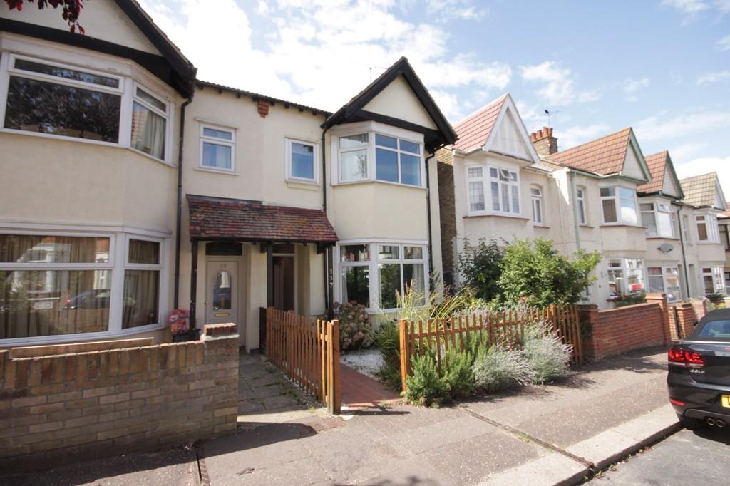 4 Bedrooms Semi Detached House for sale in Westcliff Park Drive, Westcliff-on-Sea