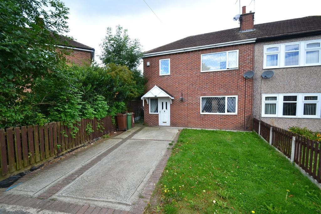 3 Bedrooms Semi Detached House for sale in Hinds Crescent, South Elmsall, Pontefract