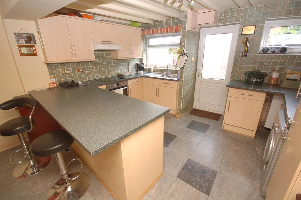 2 Bedrooms Terraced House for sale in Chester Road, Rossett