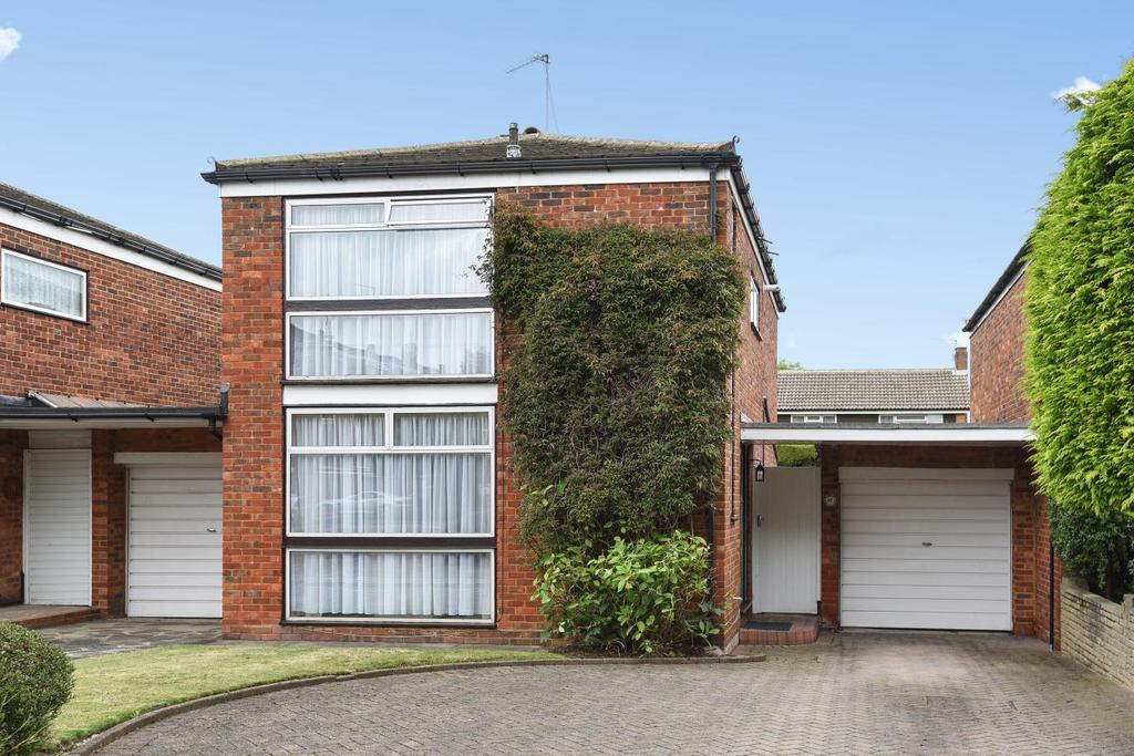 3 Bedrooms Link Detached House for sale in Matfield Close, Bromley