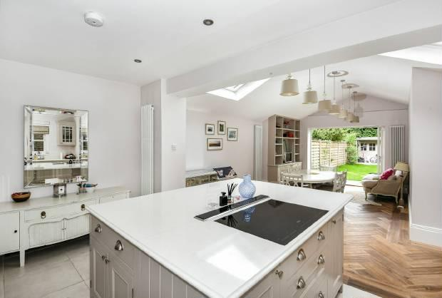 5 Bedrooms House for sale in Grove Road, Windsor