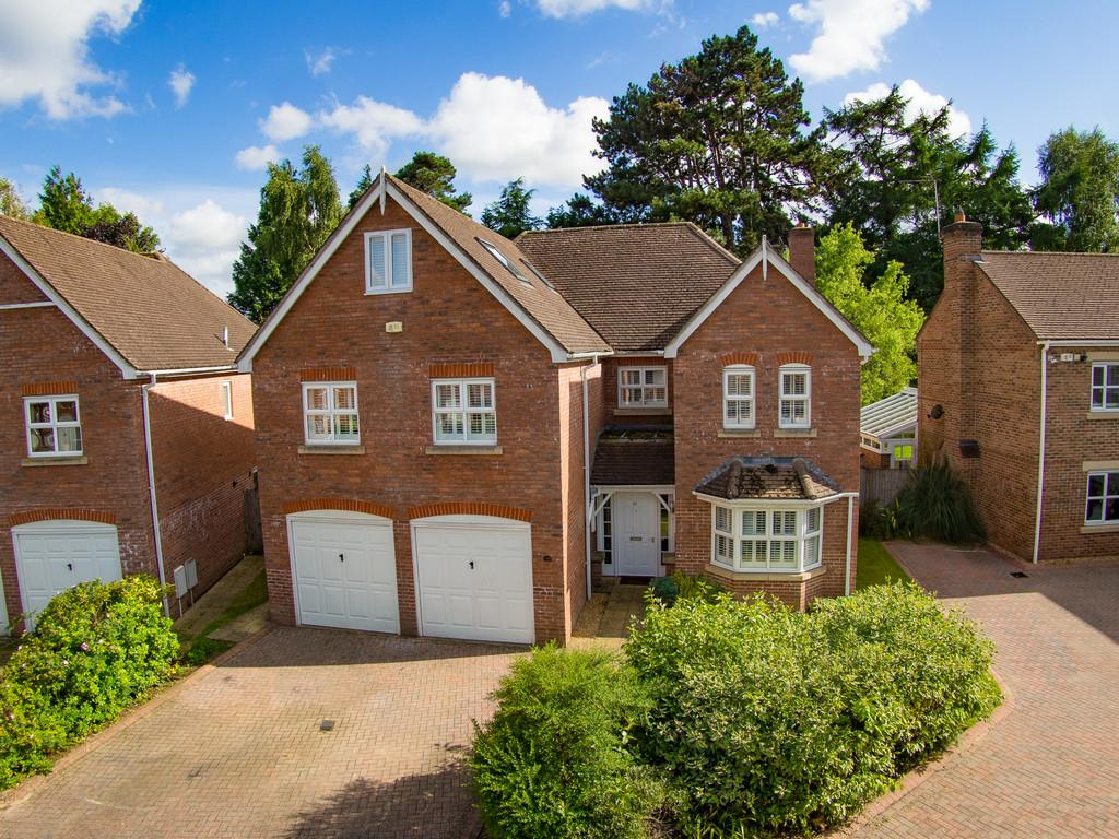 7 Bedrooms Detached House for sale in Marden Way, Petersfield