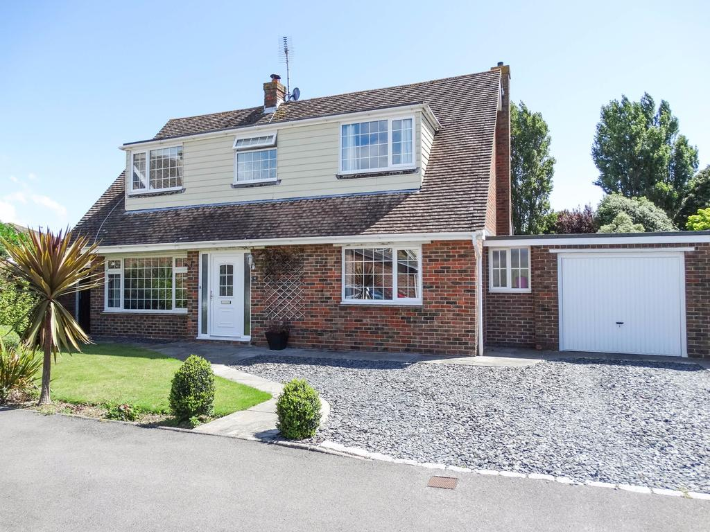 4 Bedrooms Detached House for sale in Singleton Close, Aldwick