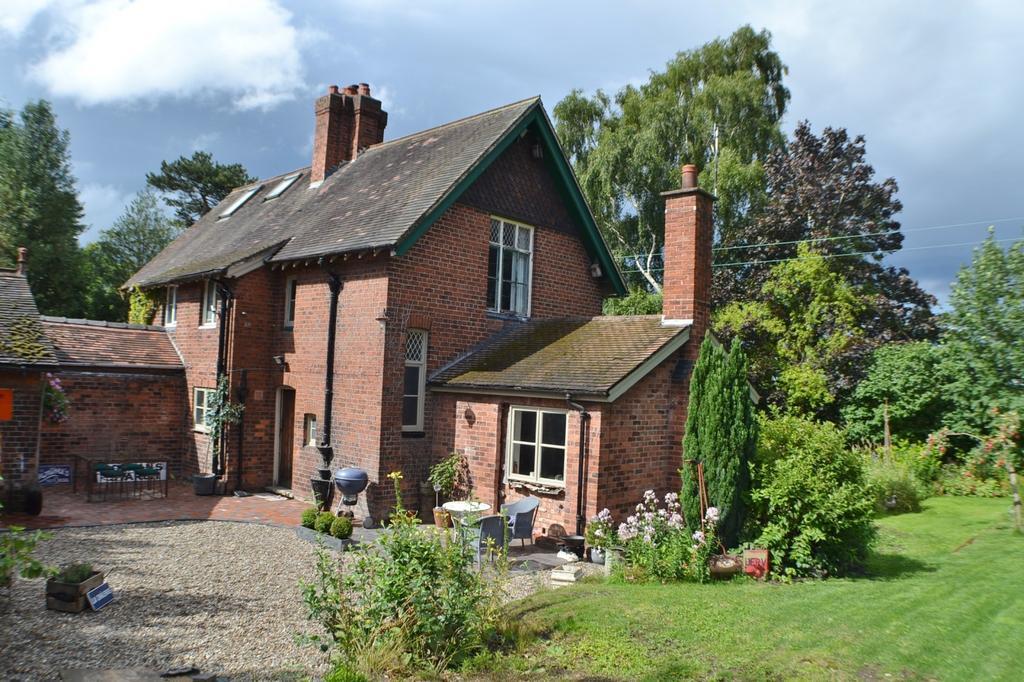 Brookside cottages congleton road arclid 2 bed semi for Brookside cottages