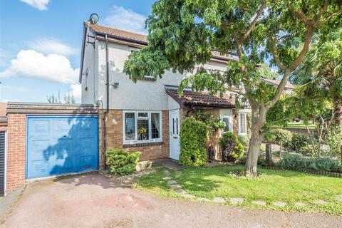 3 bedroom semi-detached house for sale - Rhodewood Close, Downswood, Maidstone