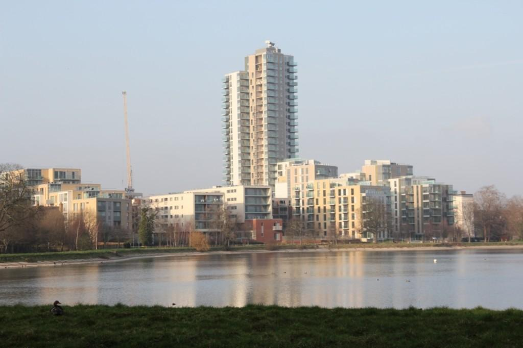 2 Bedrooms Apartment Flat for sale in The Parkhouse, Woodberry Down, London