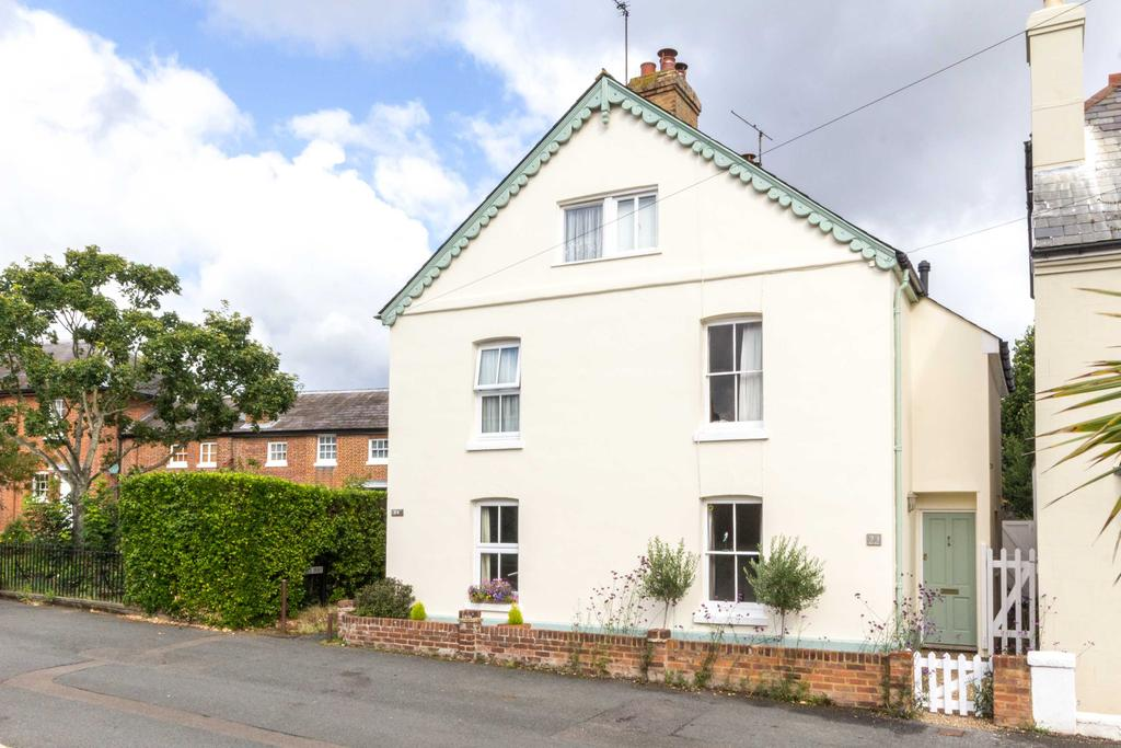 4 Bedrooms Semi Detached House for sale in Union Road, Bridge CT4