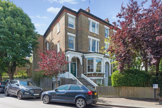 2 Bedrooms Flat for sale in Bloomfield Road, Highgate Village, London, N6