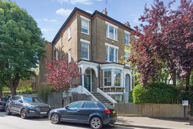 2 Bedrooms Flat for sale in Bloomfield Road, Highgate Village, London, N6