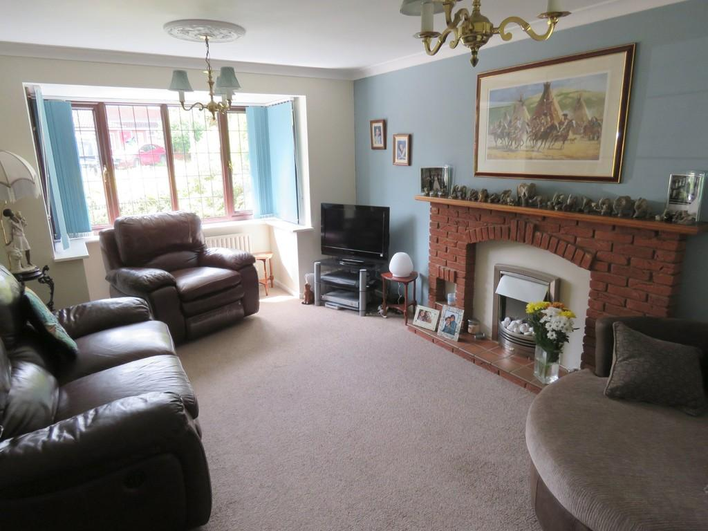 5 Bedrooms Detached House for sale in Finwood Close, Solihull