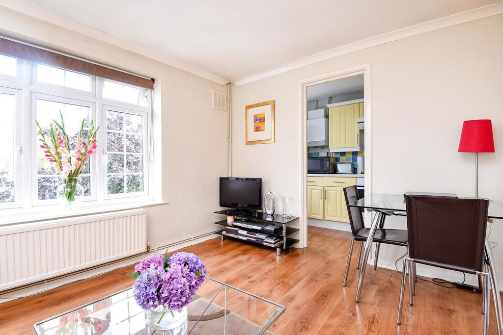 1 Bedroom Flat for sale in Ashdown Way, Tooting Bec