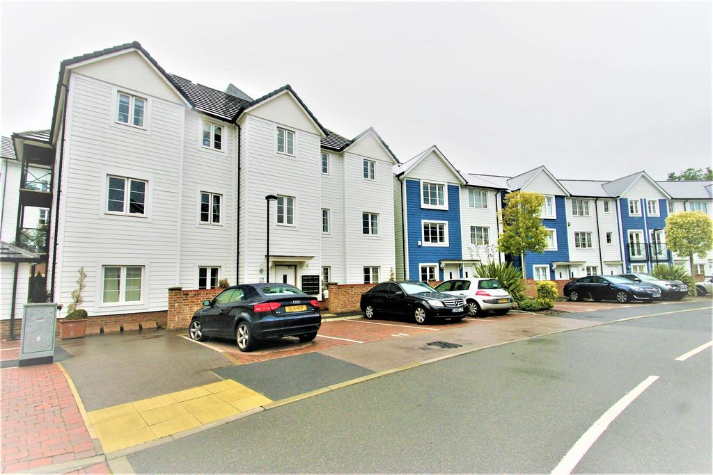 2 Bedrooms Apartment Flat for sale in Redbud Road, Tonbridge TN9