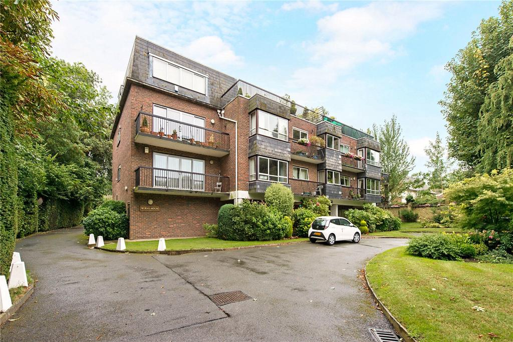 3 Bedrooms Penthouse Flat for sale in Moray House, Rickmansworth Road, Northwood, Middlesex, HA6
