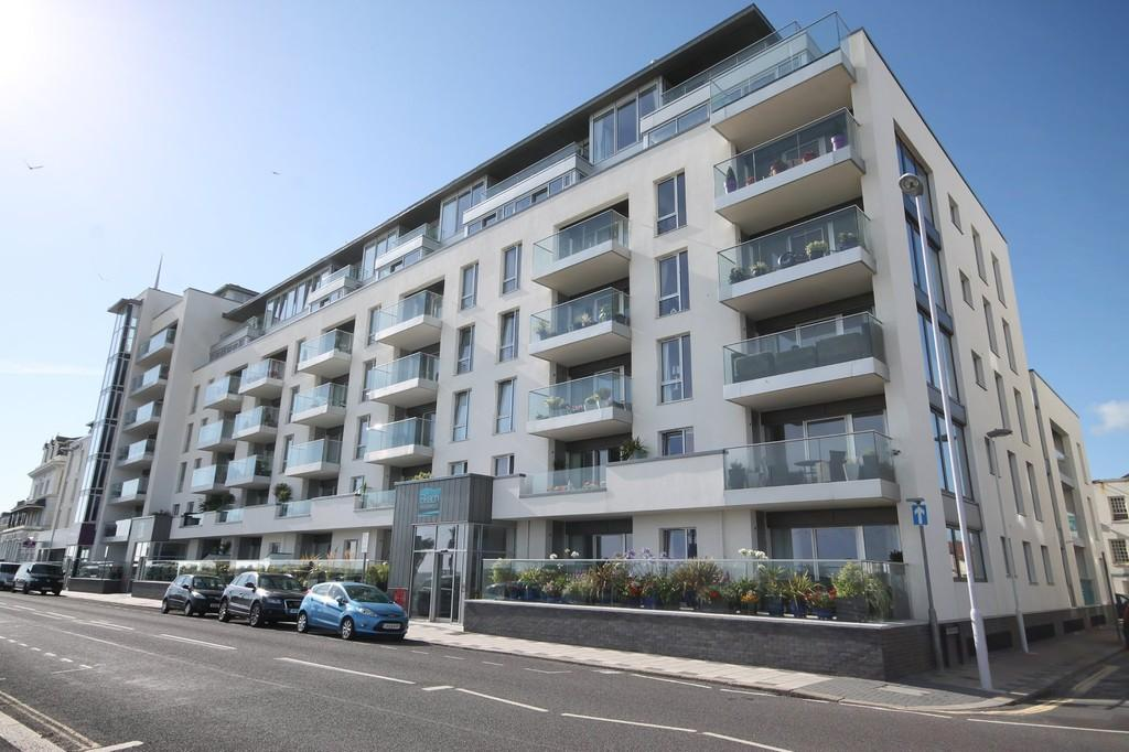 2 Bedrooms Apartment Flat for sale in Beach Residence, Marine Parade, Worthing BN11 3FN