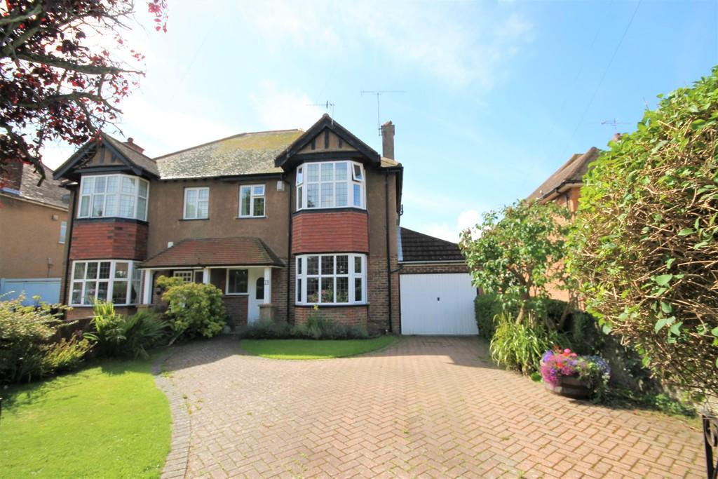 4 Bedrooms Semi Detached House for sale in Lansdowne Road, Worthing BN11 4NA