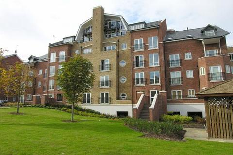 2 bedroom flat to rent - Aveley House, Iliffe Close