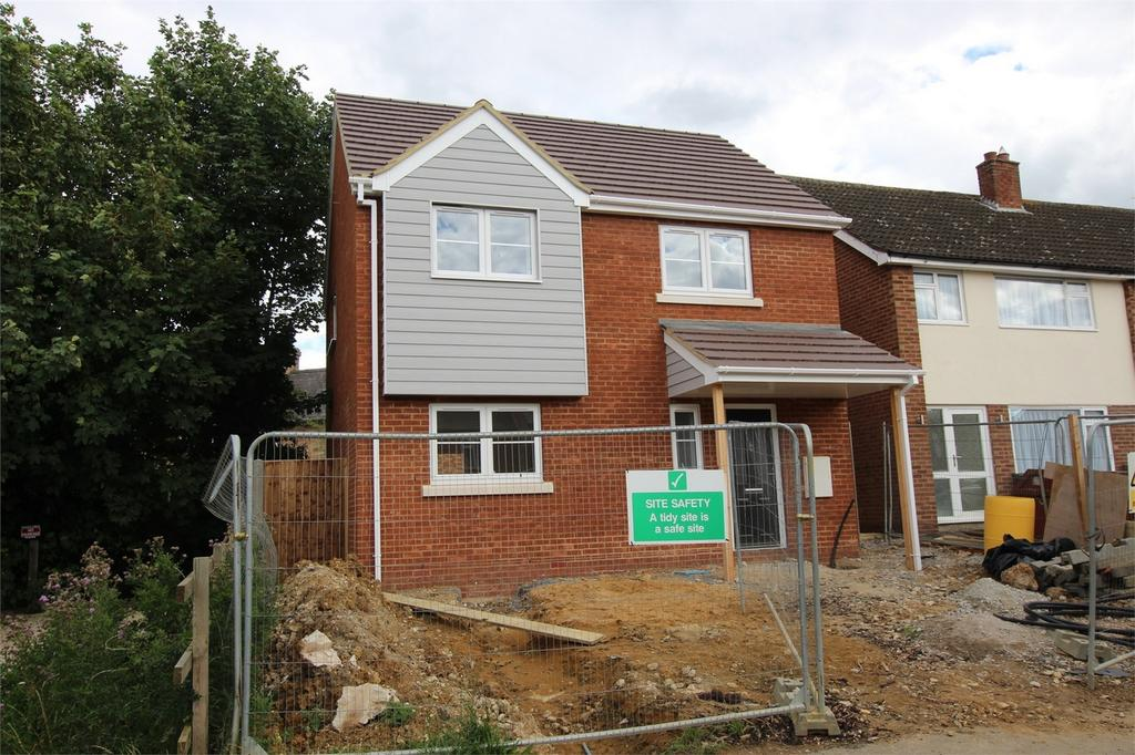 3 Bedrooms Detached House for sale in Silver End Road, Haynes, Bedfordshire