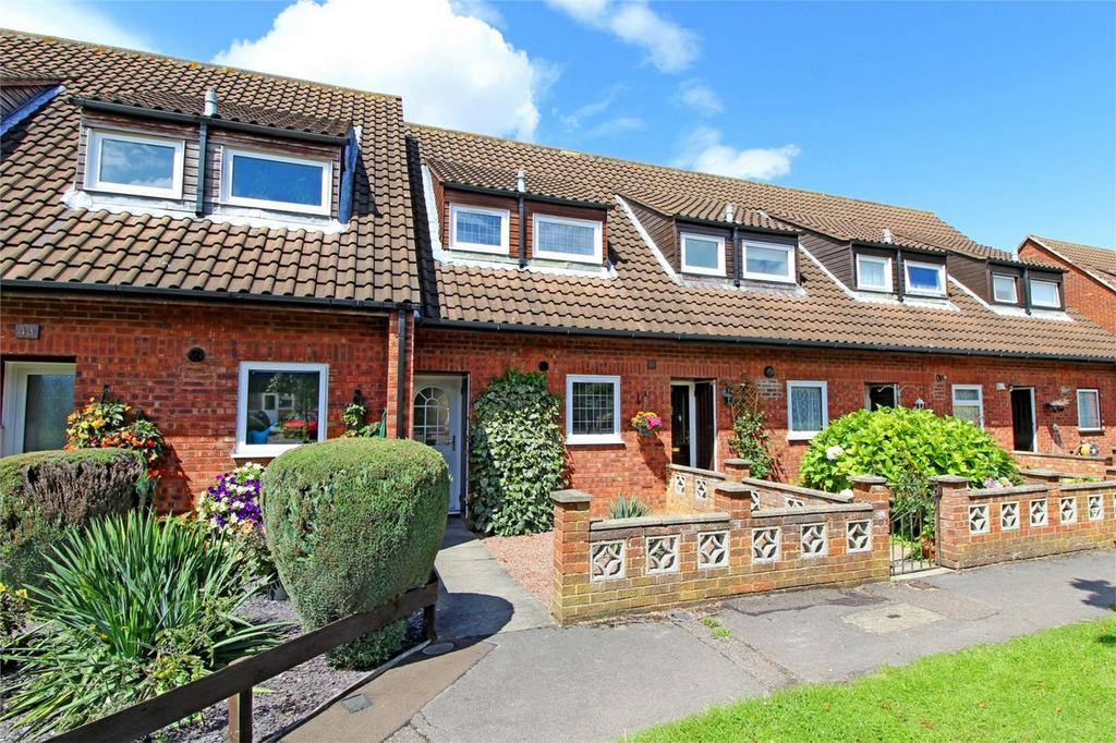 2 Bedrooms Terraced House for sale in Radburn Way, Letchworth Garden City, Hertfordshire