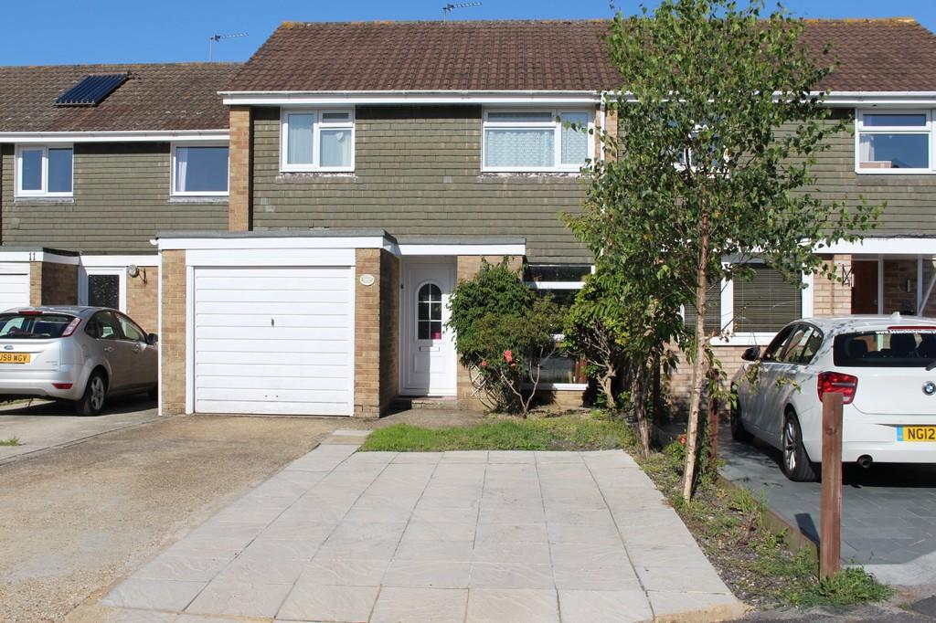 3 Bedrooms Terraced House for sale in Redrise Close, Holbury, Southampton