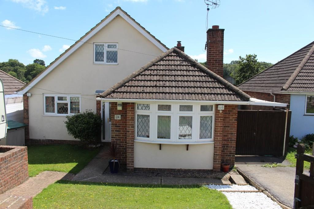 4 Bedrooms Detached Bungalow for sale in Hillview Road, Hollybank, Hythe