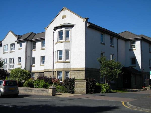 2 Bedrooms Retirement Property for sale in 39 Woodrow Court Port Glasgow Road, Kilmacolm, PA13 4QA