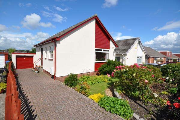 2 Bedrooms Detached Bungalow for sale in 33 Crossdene Road, Crosshouse, Kilmarnock, KA2 0JN