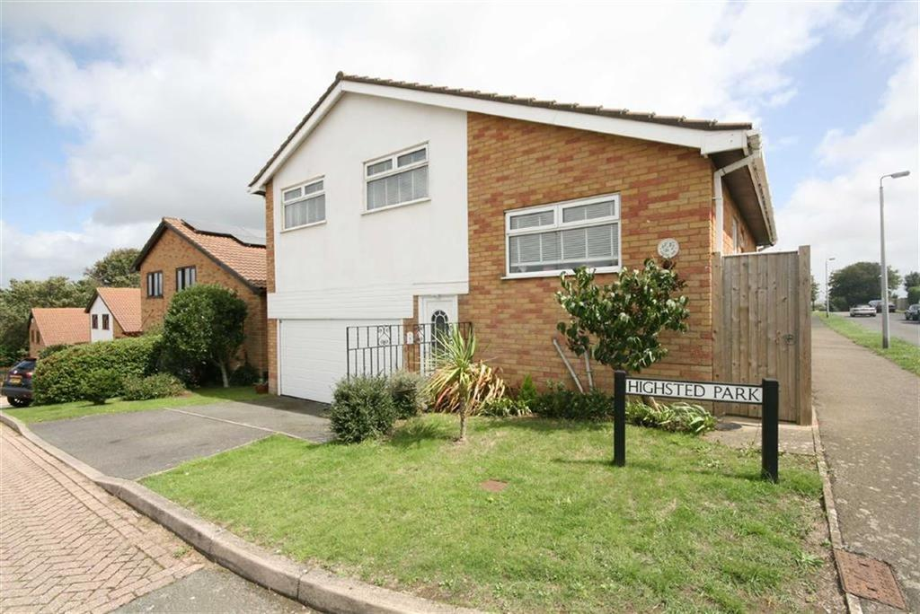 3 Bedrooms Detached House for sale in Highsted Park, Peacehaven