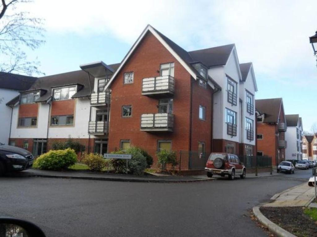 2 Bedrooms Apartment Flat for sale in Middlepark Drive, Northfield, B31