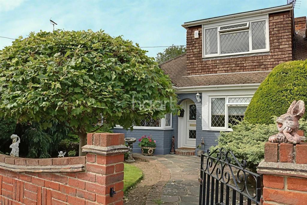 3 Bedrooms Bungalow for sale in Hockley