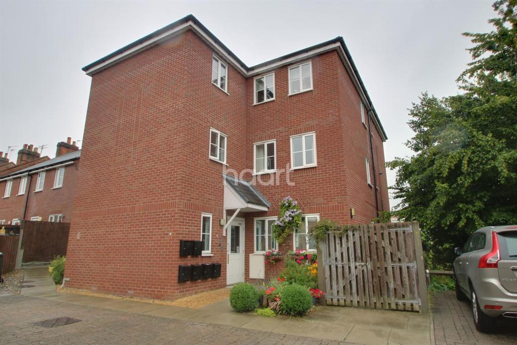 2 Bedrooms Flat for sale in Corsbie Close, Bury St Edmunds, Suffolk