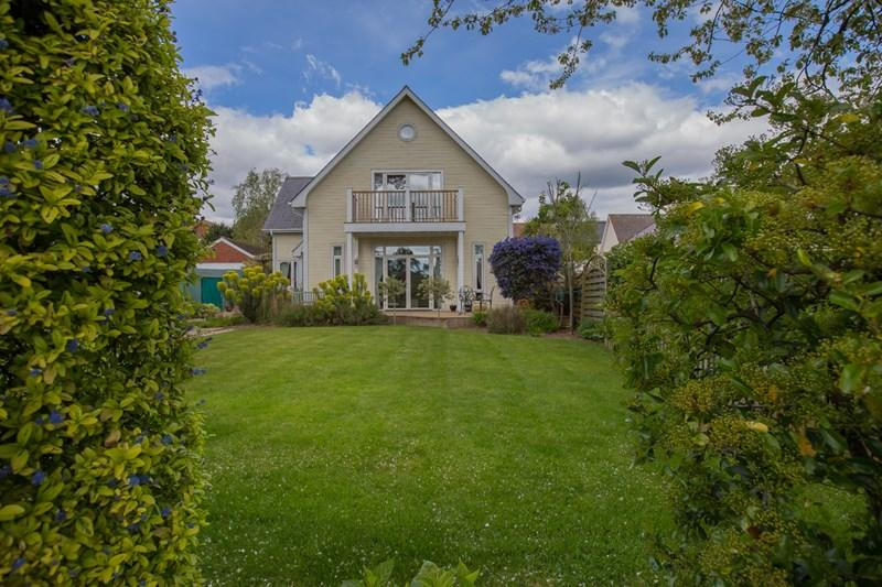 4 Bedrooms Detached House for sale in Newton Road, Bishopsteignton, Teignmouth