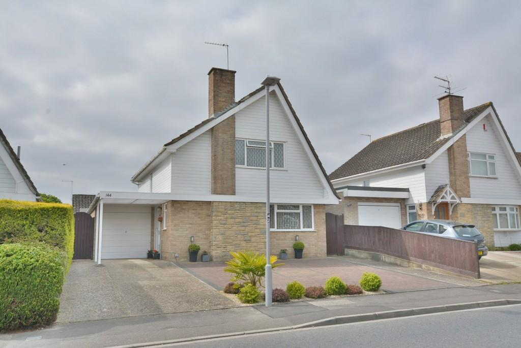 3 Bedrooms Detached House for sale in Runnymede Avenue, BOURNEMOUTH