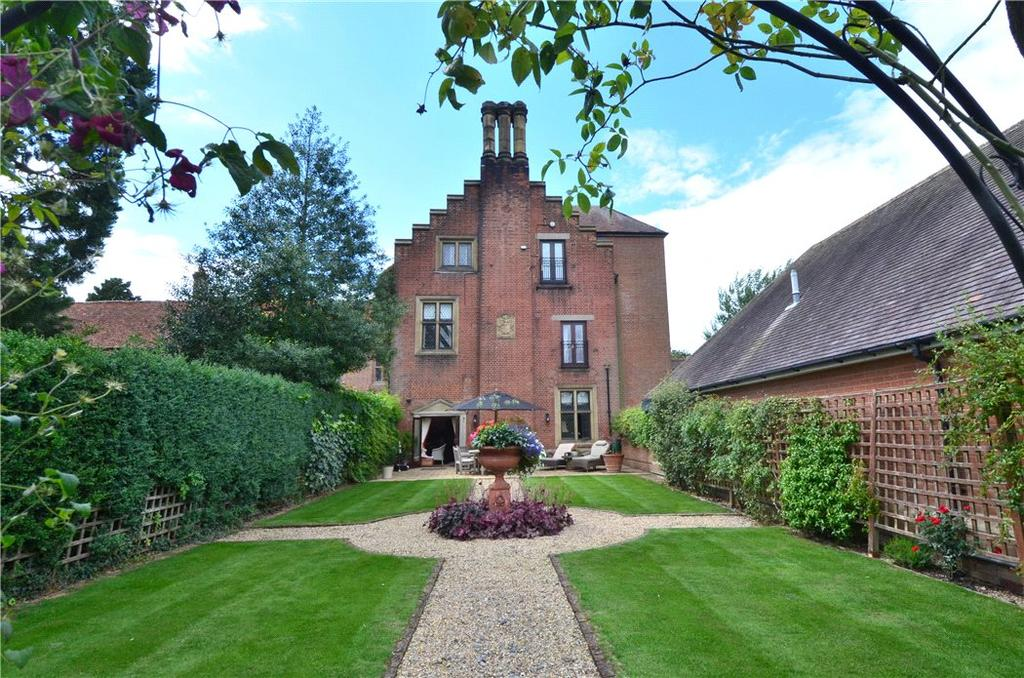 2 Bedrooms Flat for sale in Hadham Hall, Little Hadham, Ware, Hertfordshire, SG11