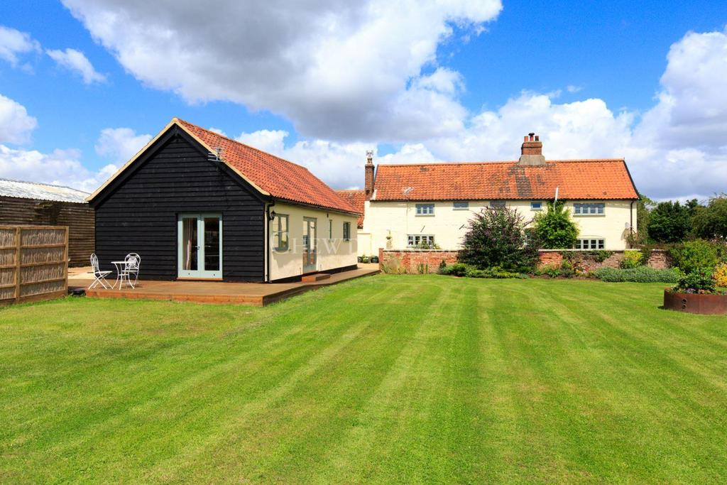 5 Bedrooms Farm House Character Property for sale in NEAR NORWICH