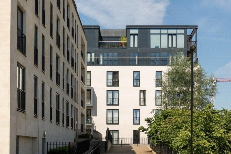 2 Bedrooms Flat for sale in Highgate, Longmead Terrace, Bath, BA2