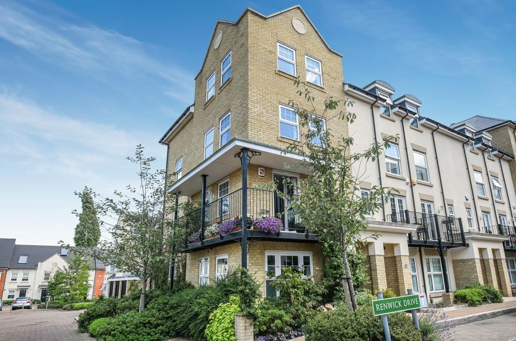 4 Bedrooms Town House for sale in Renwick Drive Bromley BR2