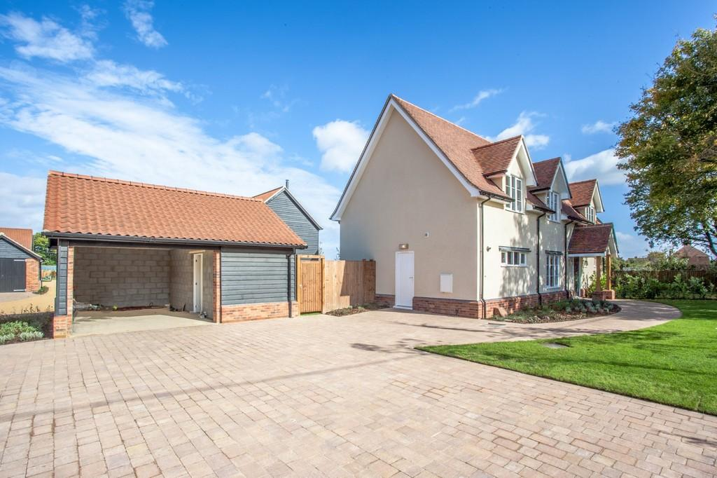 5 Bedrooms Detached House for sale in Ongar Road, Writtle