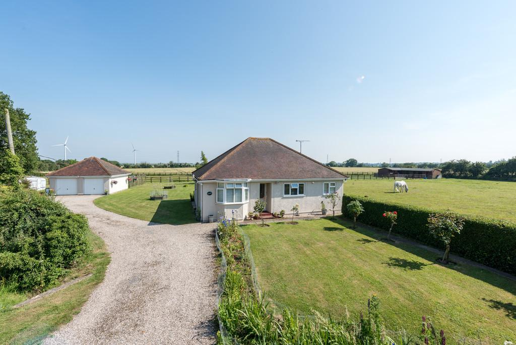 2 Bedrooms Detached House for sale in Bradwell On Sea, Essex