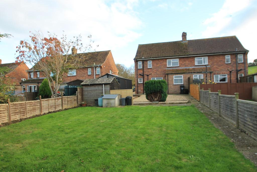 3 Bedrooms Semi Detached House for rent in SHARLANDS, BARRINGTON TA19