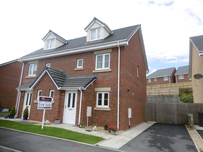 3 Bedrooms Semi Detached House for sale in Maes Yr Ysgol , Pontardawe, Swansea.