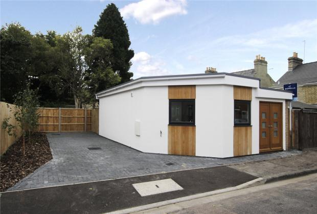 1 Bedroom Detached Bungalow for sale in Ferndale Rise, Cambridge