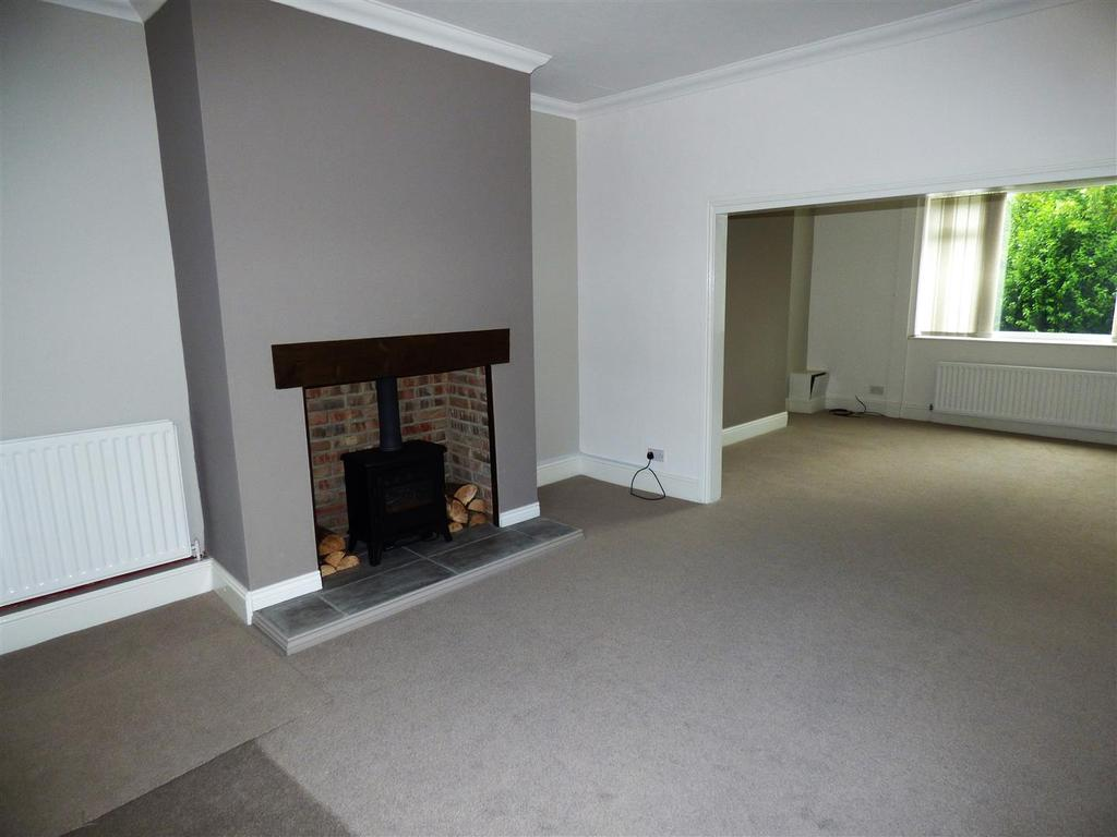 2 Bedrooms Terraced House for sale in Ewehill Terrace, Fencehouses