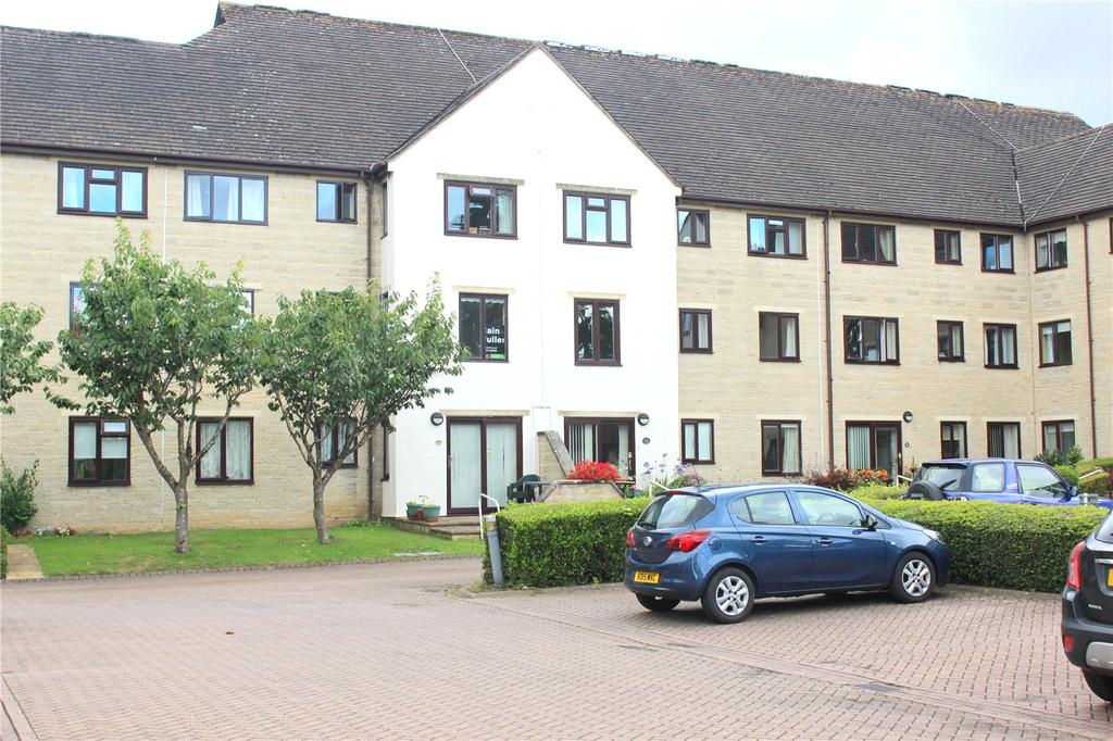 2 Bedrooms Apartment Flat for sale in Barclay Court, Trafalgar Road, Cirencester, GL7