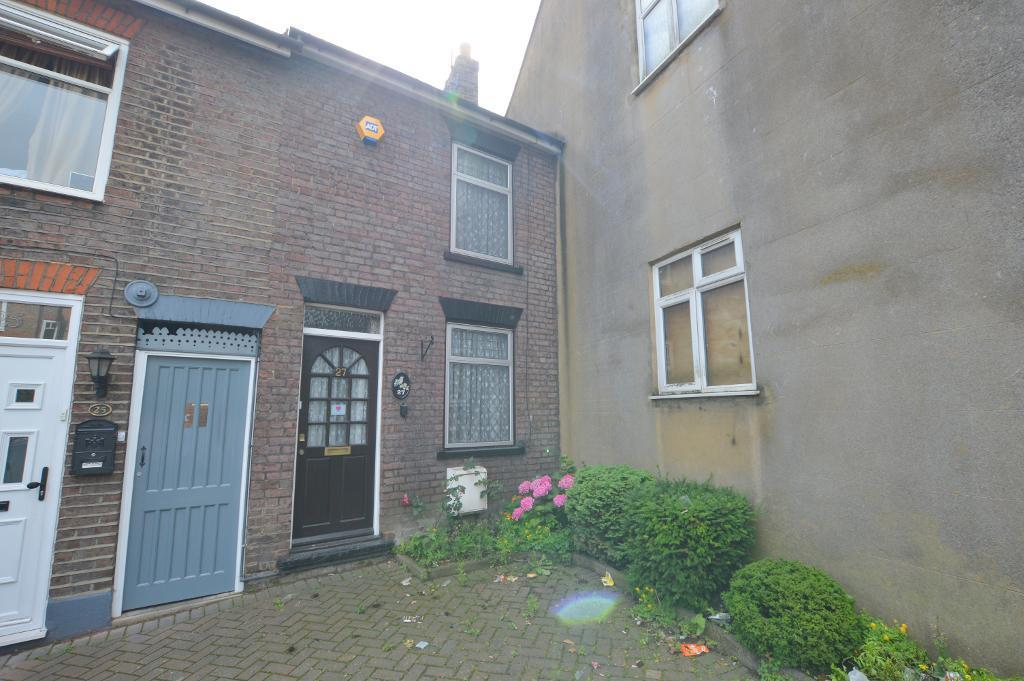 2 Bedrooms Terraced House for sale in Farley Hill, Luton, LU1 5EE