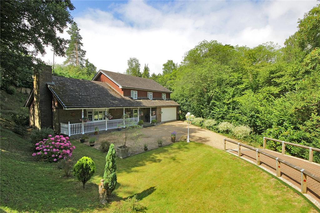 5 Bedrooms Detached House for sale in Oakfield, Hawkhurst, Kent, TN18