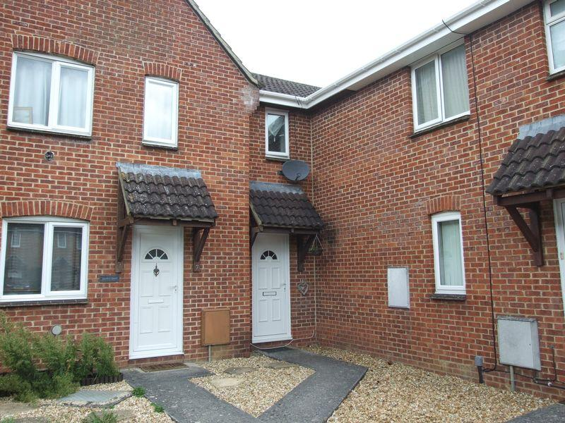 2 Bedrooms Terraced House for sale in Lockeridge Close, Trowbridge