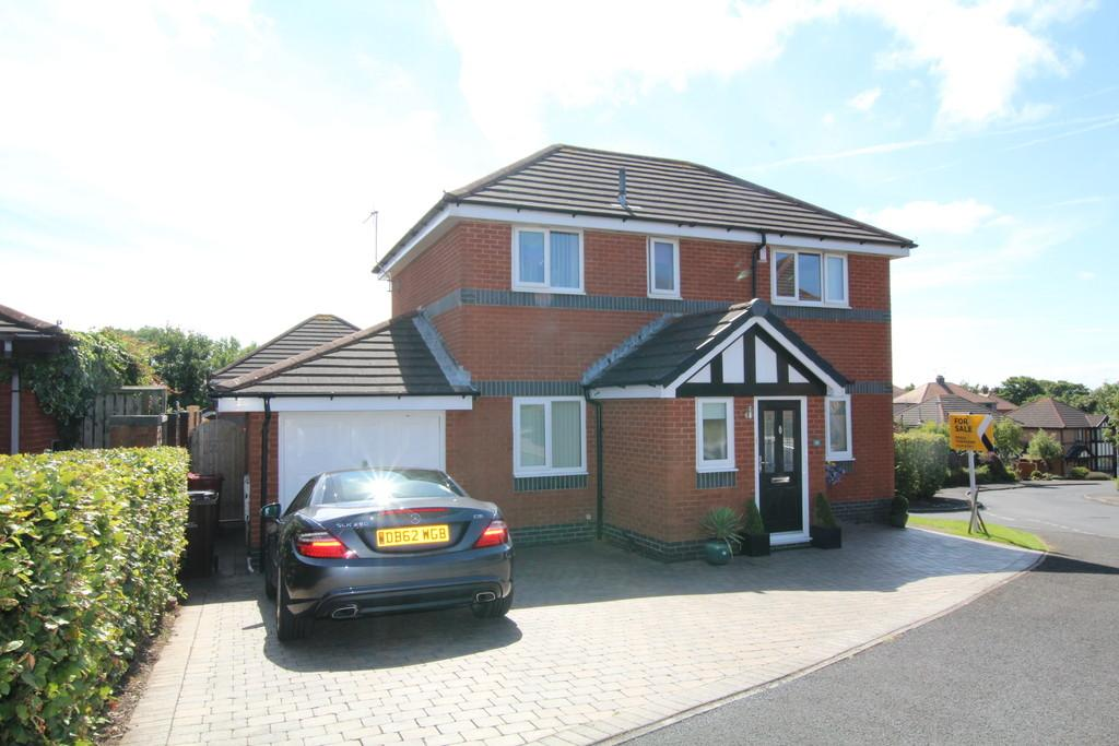 3 Bedrooms Detached House for sale in Tennyson Avenue, Barrow-In-Furness