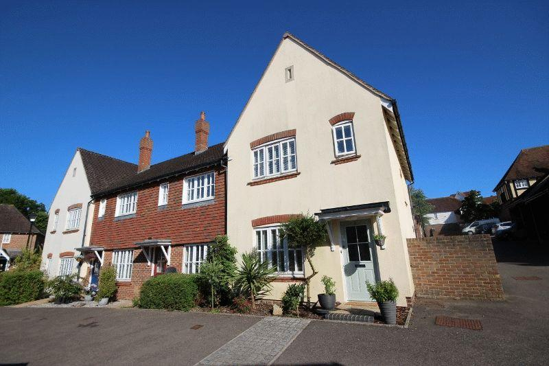3 Bedrooms End Of Terrace House for sale in Fletcher Way, Bolnore Village, Haywards Heath
